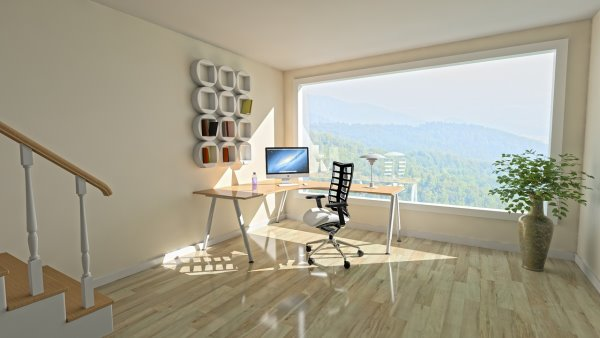 Mobili in legno: scrivania per studio